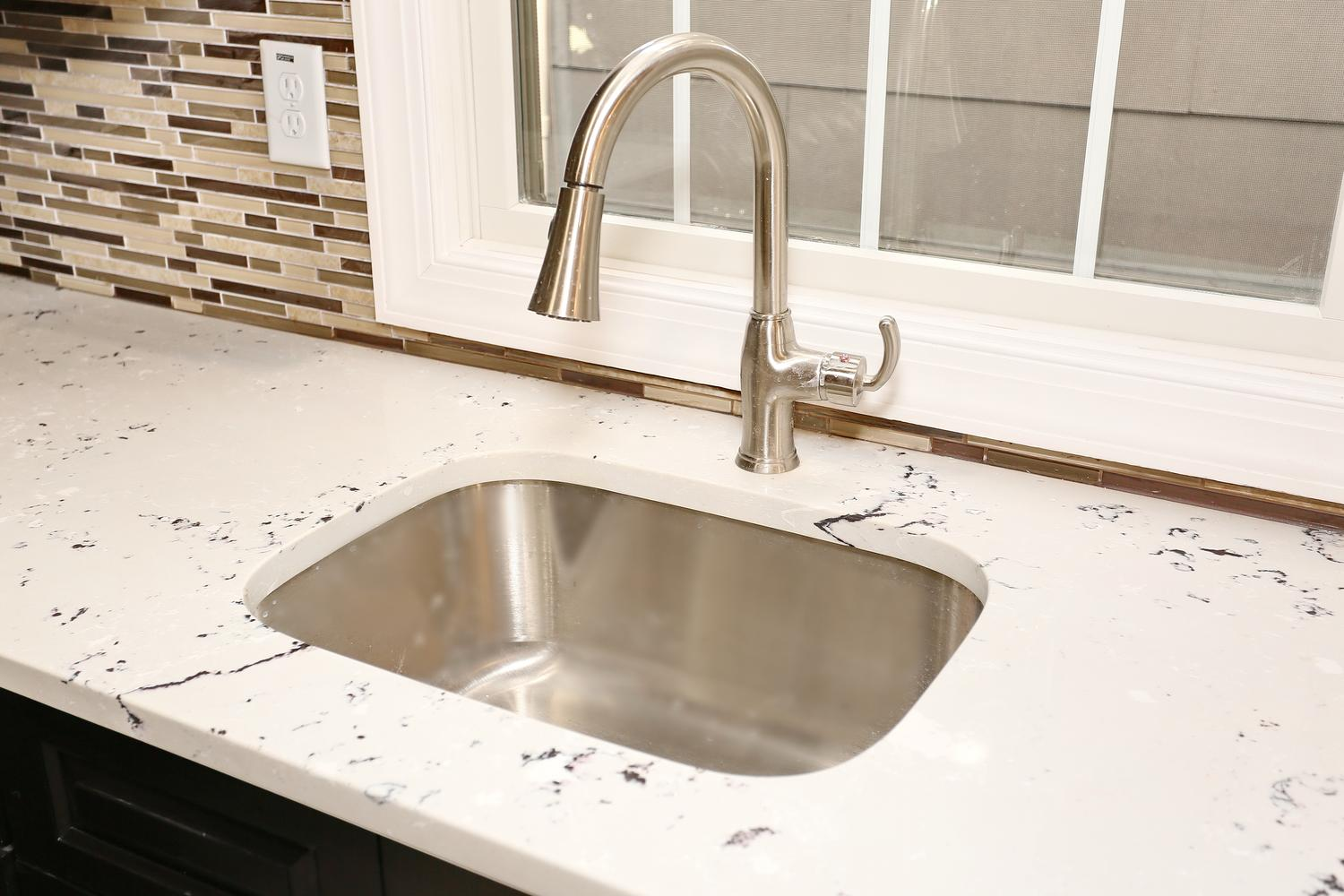 80 Lincoln St Jersey City NJ-large-009-27-Granite Counters-1500x1000-72dpi