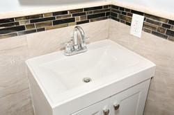 80 Lincoln St Jersey City NJ-large-022-35-Bathroom-1500x1000-72dpi