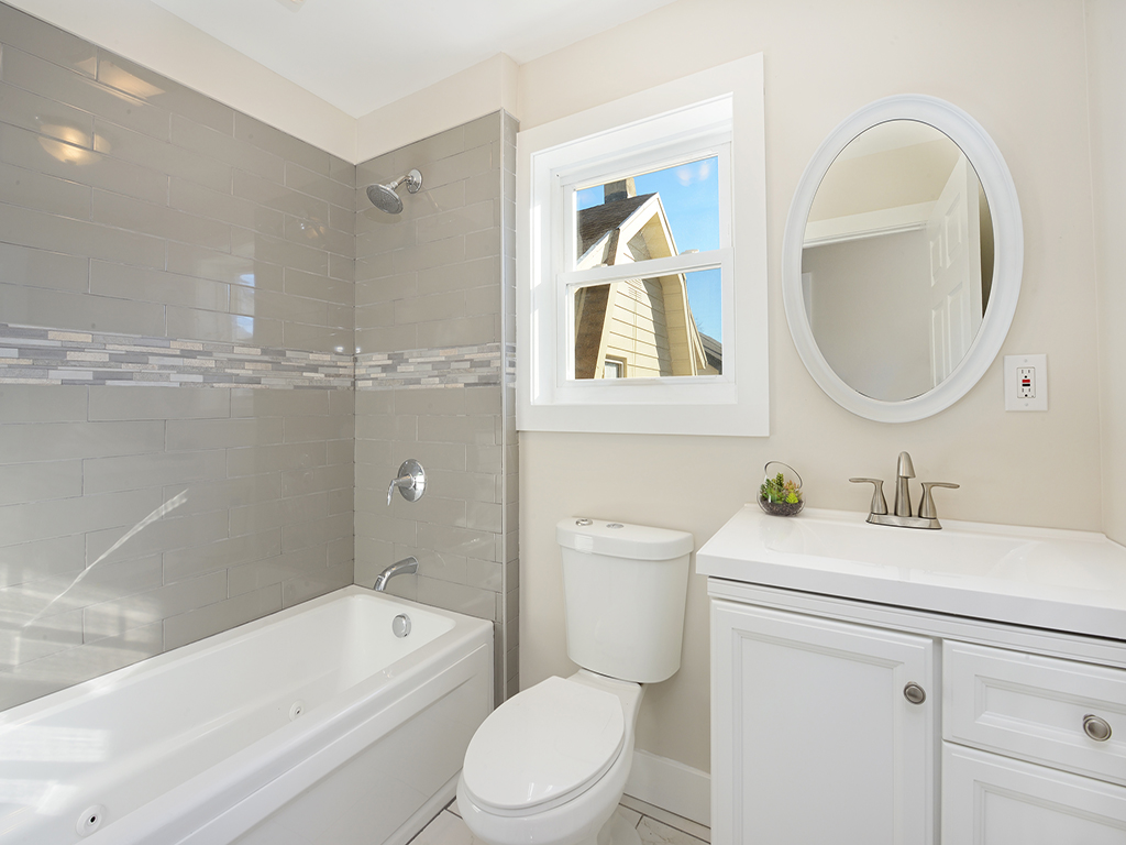 136 West 57th St, Bayonne, Master Bathroom