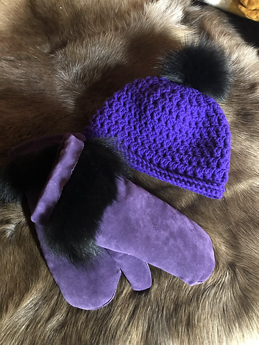 Purple Mitts With Black Dyed Coyote