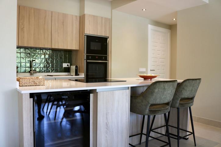 4 - Kitchen.jpg