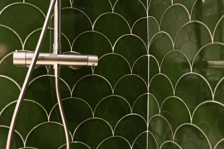 11 - En suite bathroom.jpg