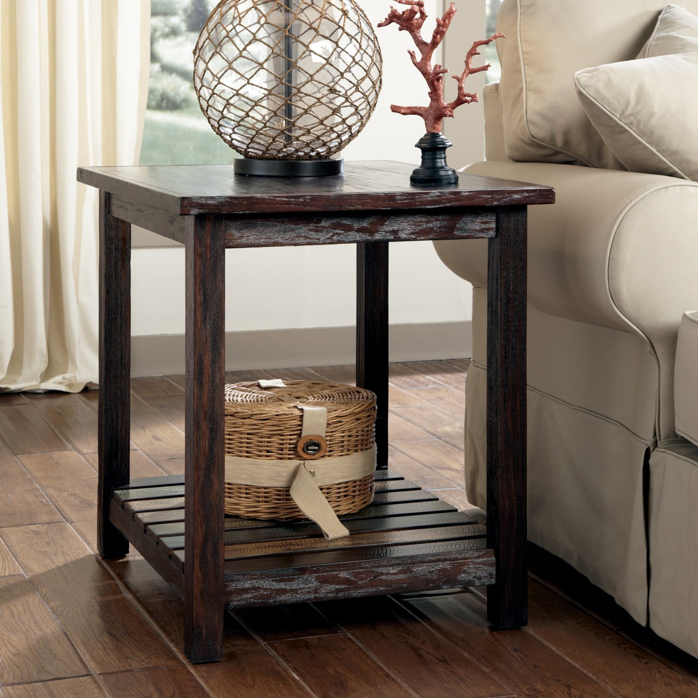 t580 Mestler chairside table