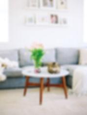 home-2015-12-happy-home-1228-stocksy-mai