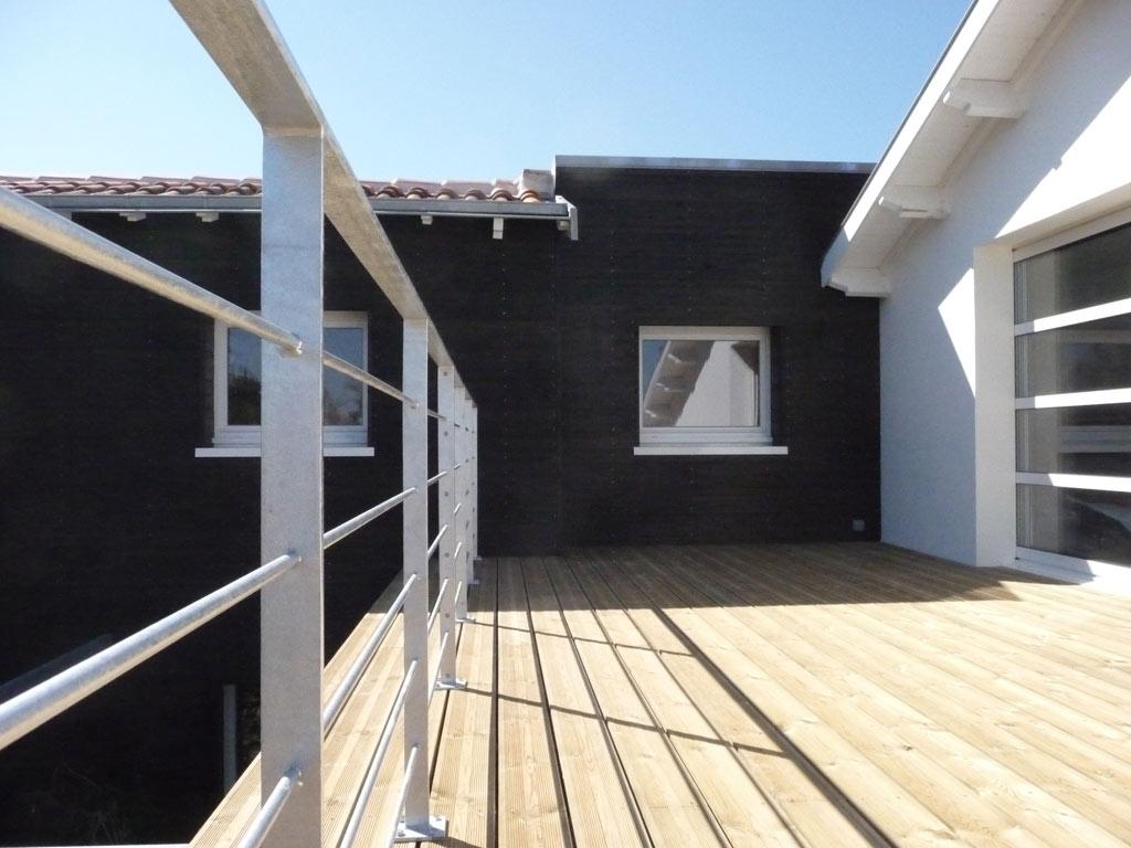 maison-Wa-facade-terrasse