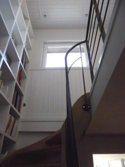 maison-Wa-cage-d'escalier