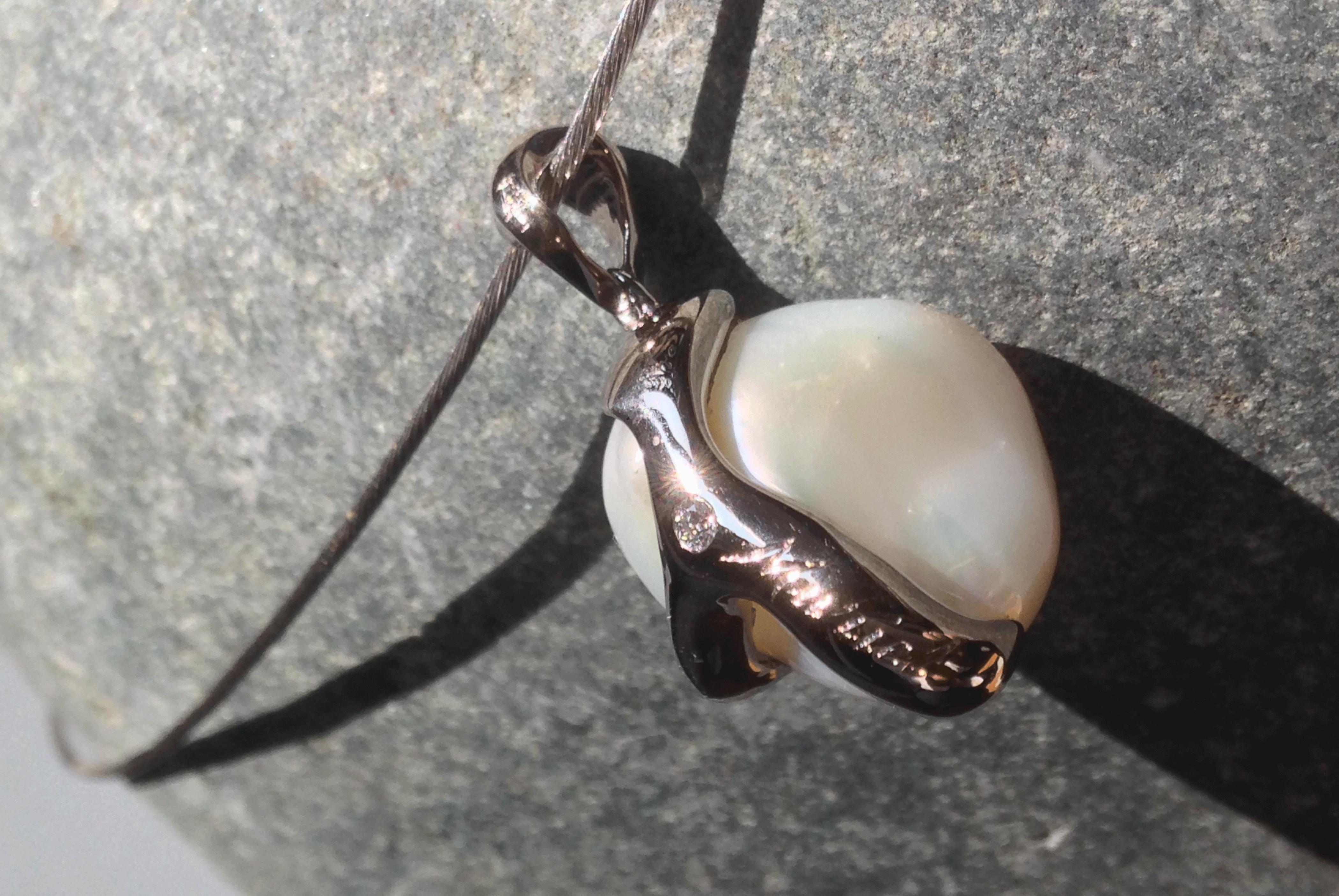 Pendentif et sa perle baroque