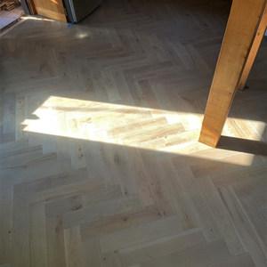 Zigzag style flooring
