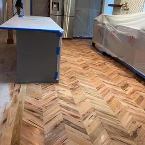 Zig zag in red oak hardwood floor installation