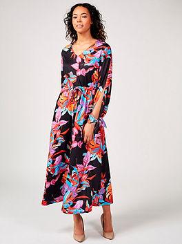 maxi dress full.jpg