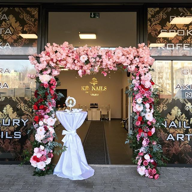 🥰😻Flower arch for rent ❤️❤️🌸🌸🌿🌿Bea