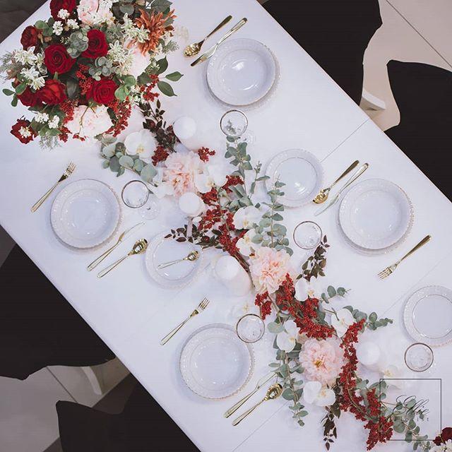 Luxury flower decoration for dining tabl