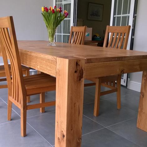 Oak dining table.jpg