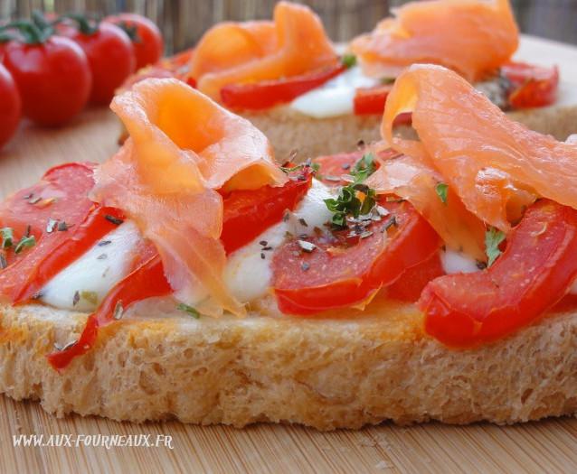 Bruschetta tomates saumon