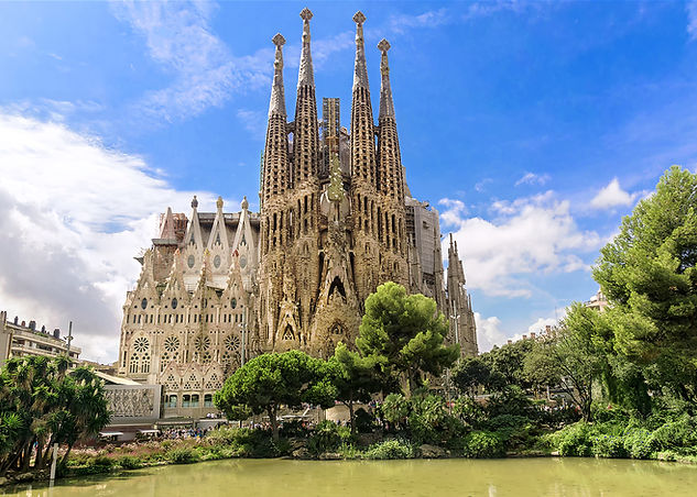 barcelona Sagrada Familia.jpeg