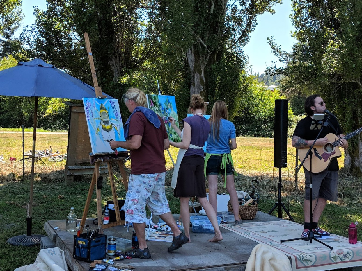 Live Art In The Round