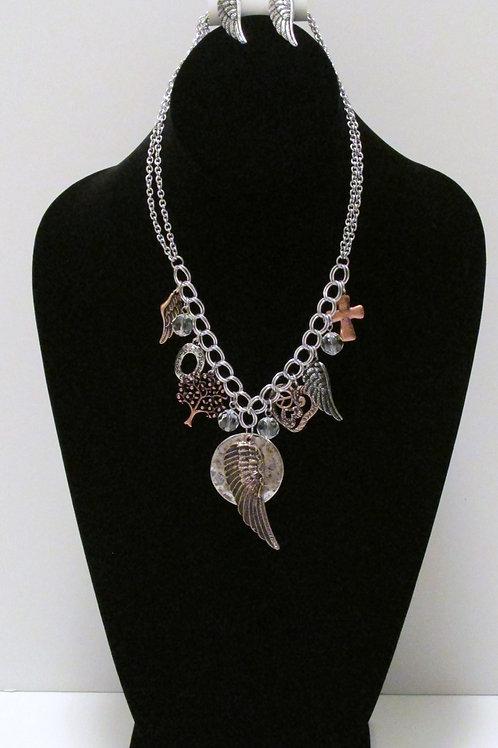 Queen Angel Wings Necklace Set