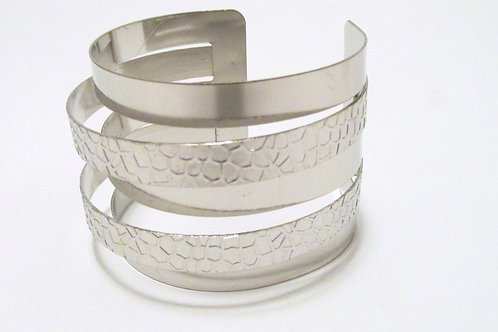 Queen Textured and Smooth Silver Cuff