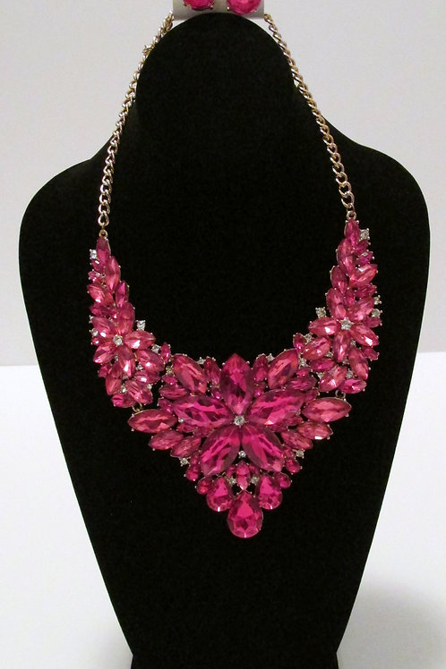 Queen Fuschia Diva Necklace Set and Bracelet