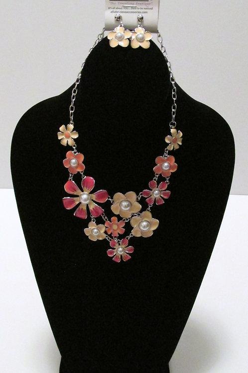 Queen Flowers Peach/Orange Necklace  Set