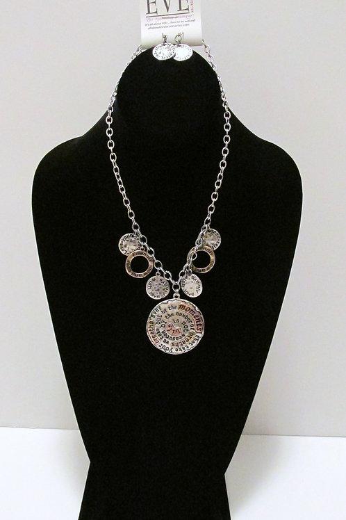Queen Inspiration Necklace Set