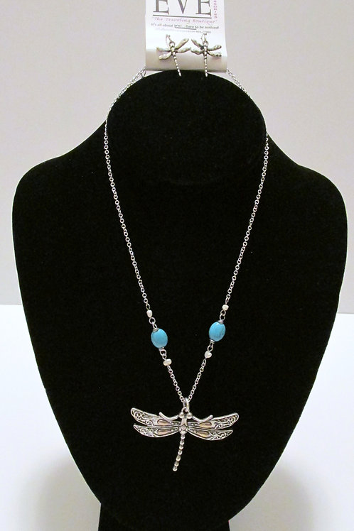 Queen Dragonfly Necklace Set $5.97
