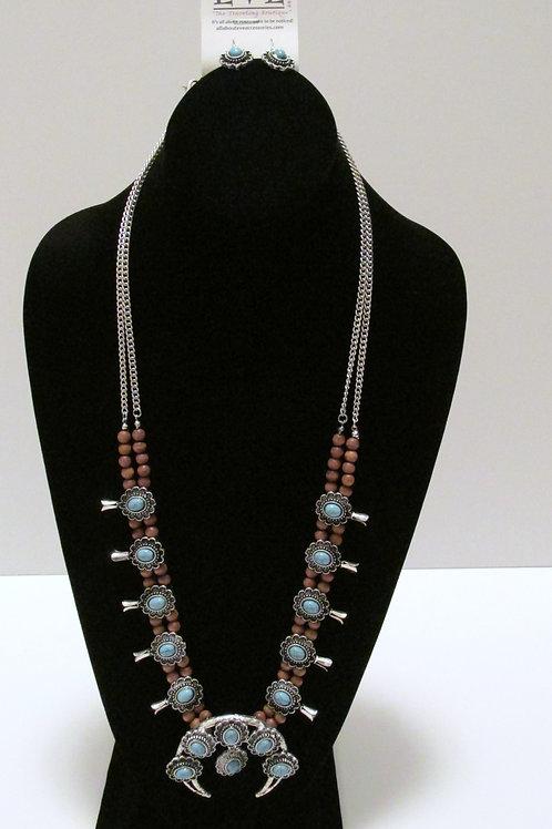 Queen Wild Horn Necklace Set