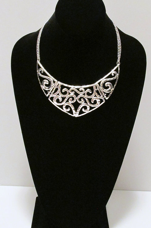 Queen Filigree Necklace Set