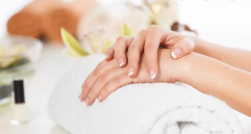 Manicure bij DDL-Style & Beauty