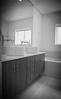 Batchelor Davies - bathroom detail