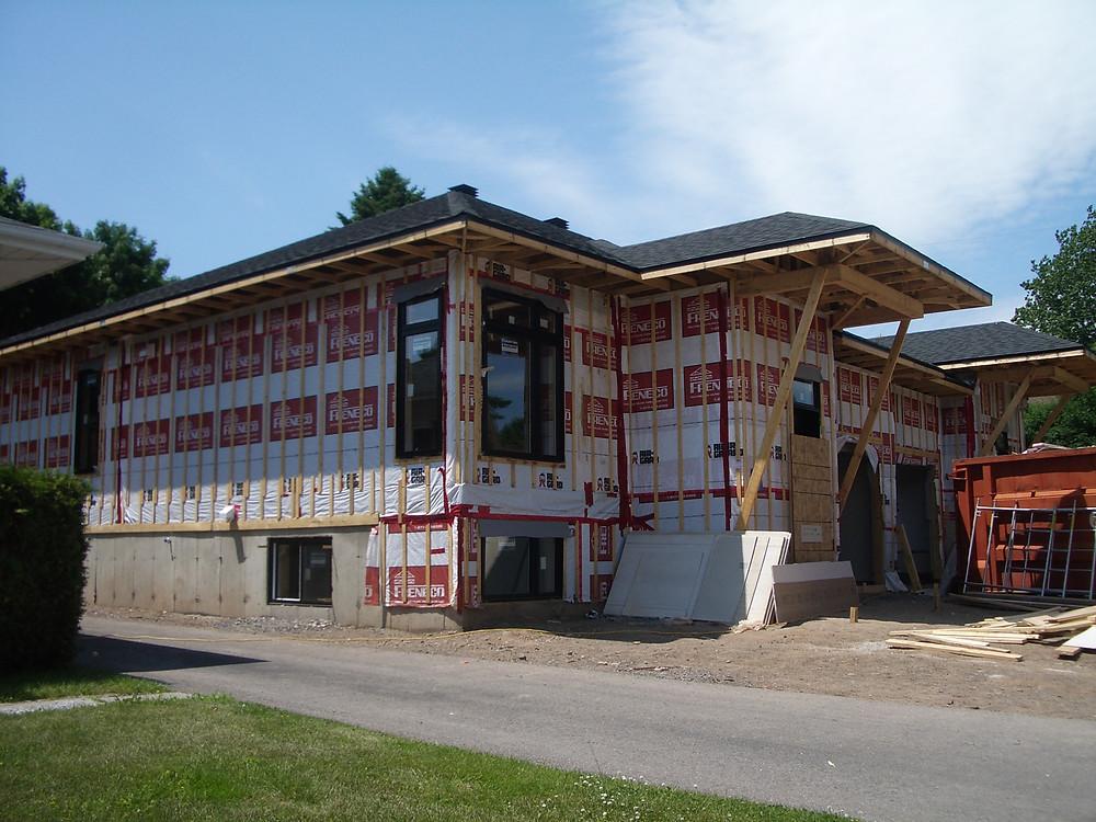 Fabrication de murs et de fermes de toit pour une nouvelle construction | Freneco | Zone Construction | Québec