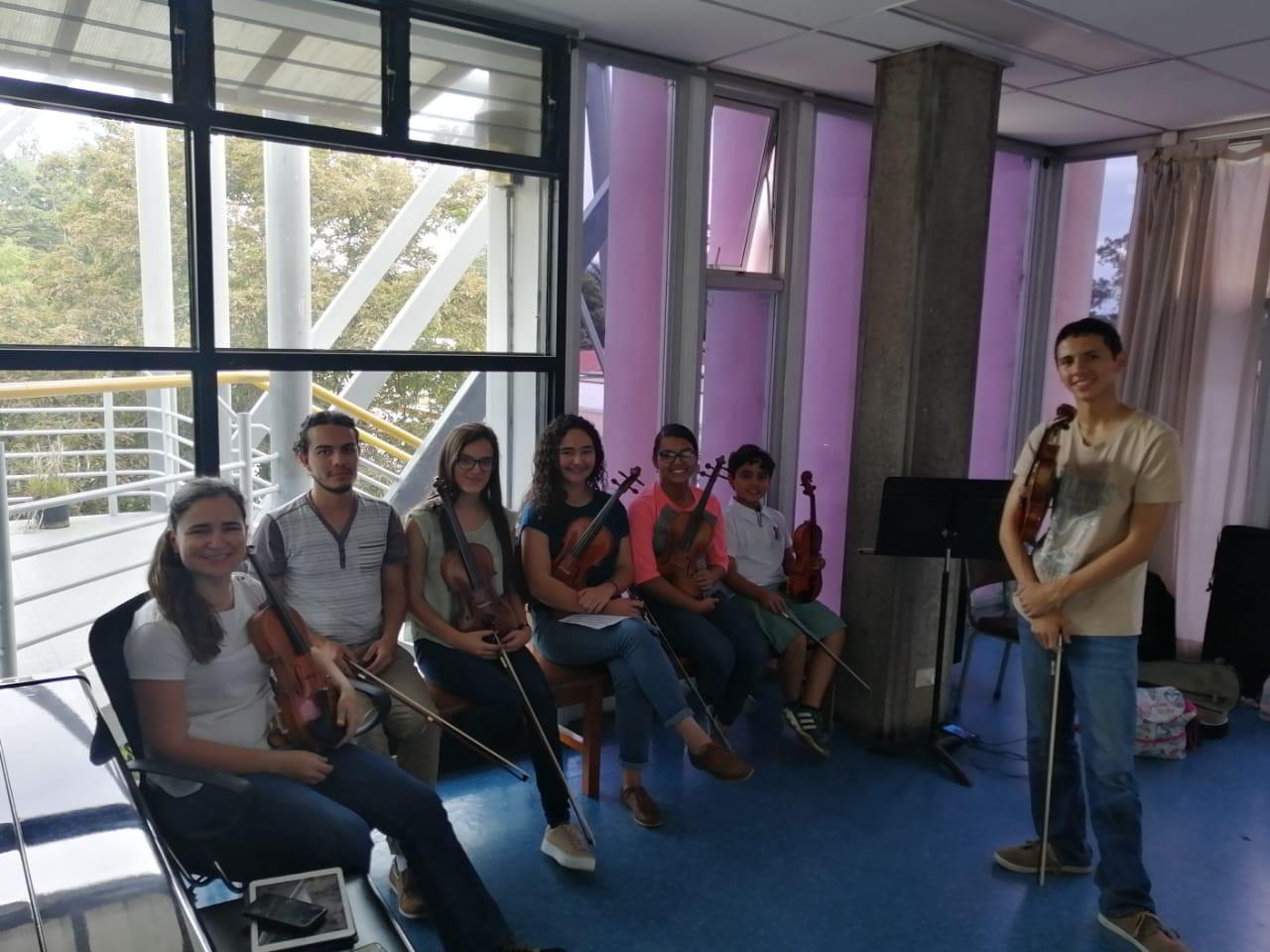 Junto a mis estudiantes de la UCR-Taller