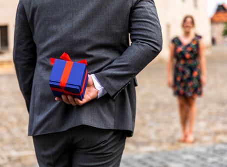 3 лесни стъпки да избереш подарък на жена