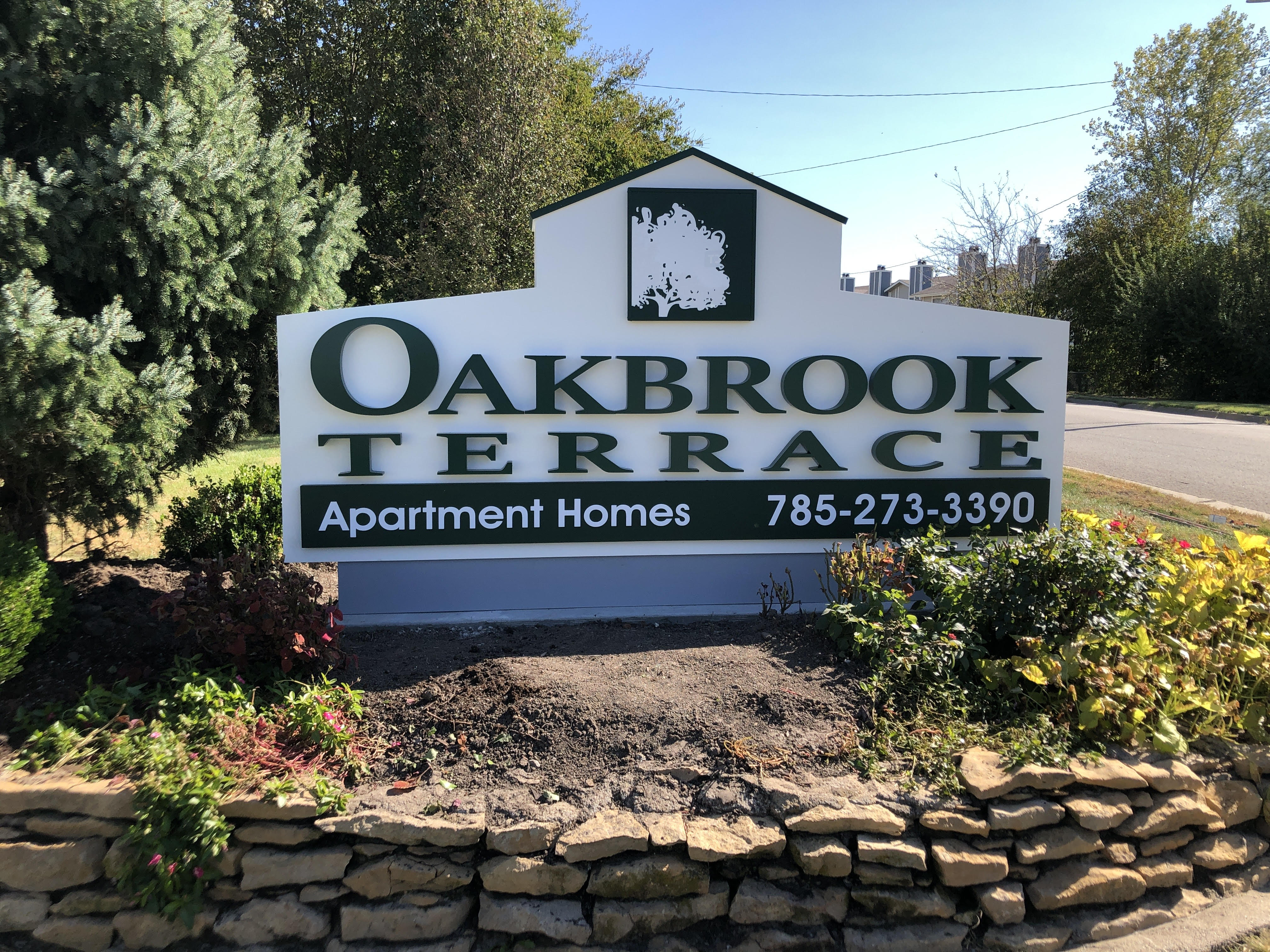 Oakbrook Terrace Apartments