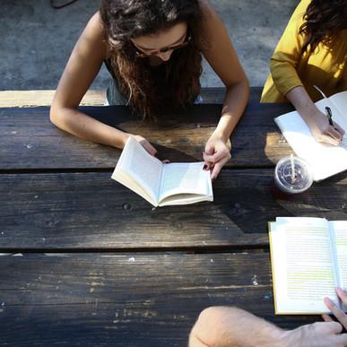 Cursos gratuitos preparatorios para el CELGA y de lenguaje administrativo en escuelas oficiales de i