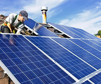 instalador de sistemas de energia solar.