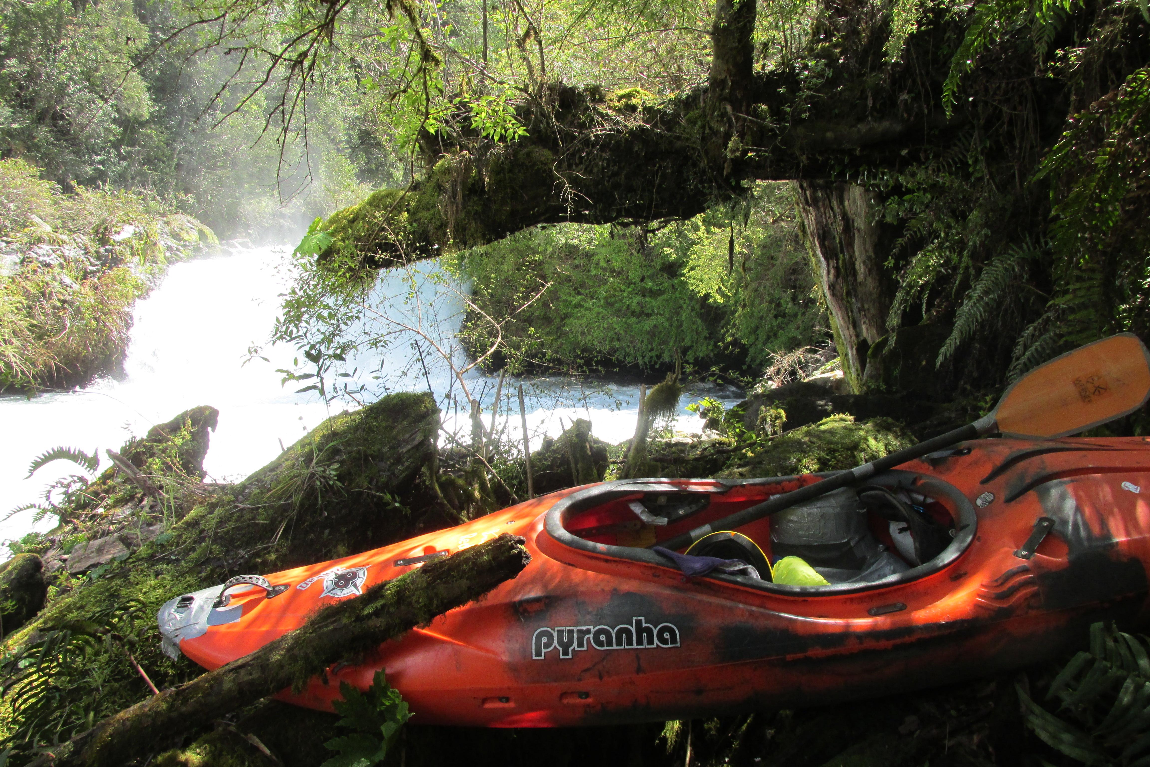 Saltos de agua río Llancahue