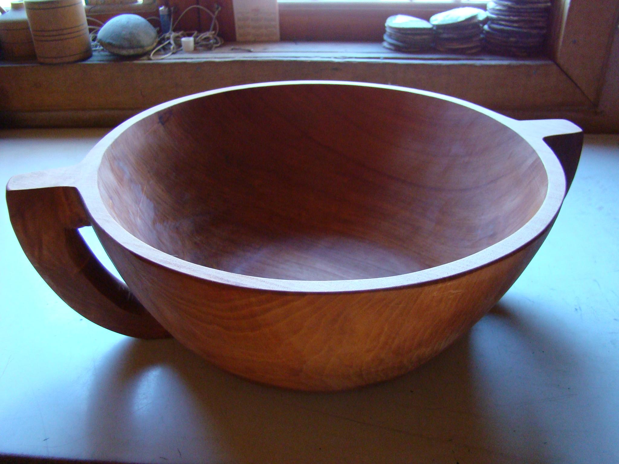 Venta artesanía en madera de Raulí