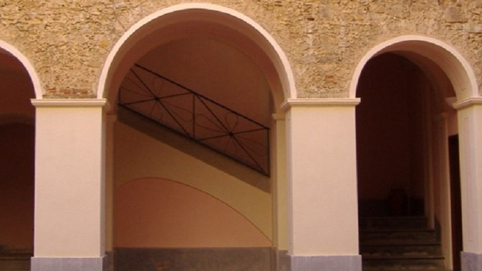 Atrio del Palazzo Alario