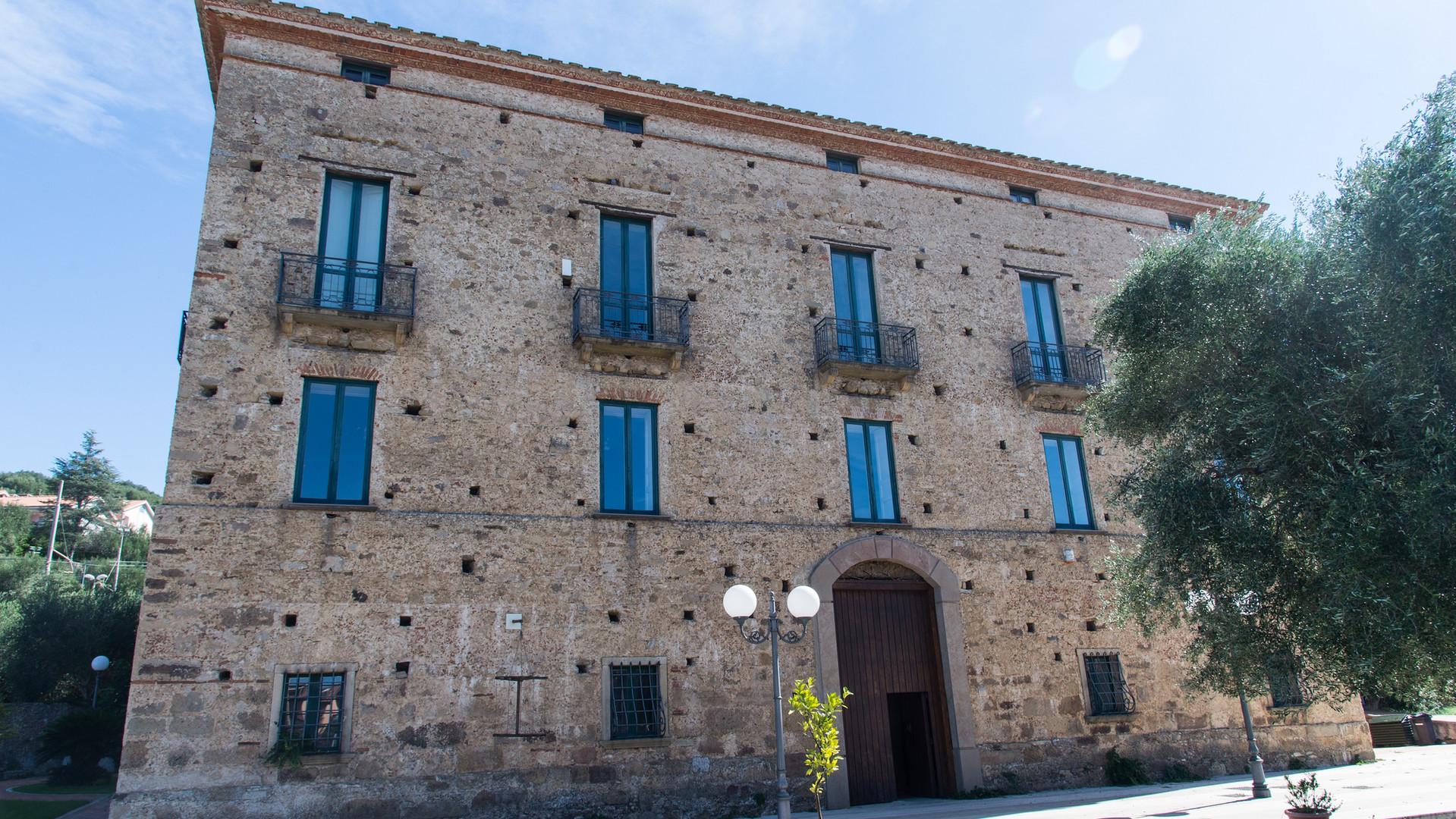 Il Palazzo Alario