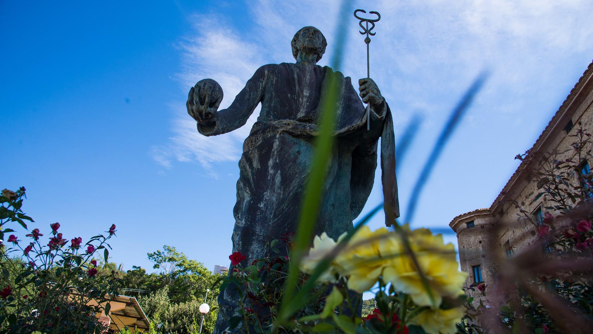 Statua di Parmenide