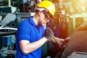 trabalhador-de-engenheiro-na-industria_6
