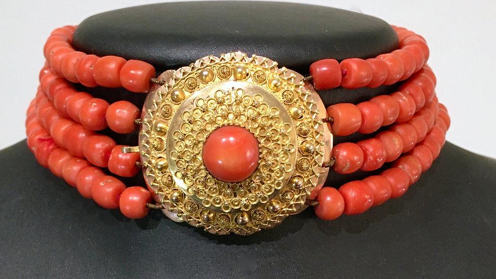 Antiek Bloedkoraal Collier