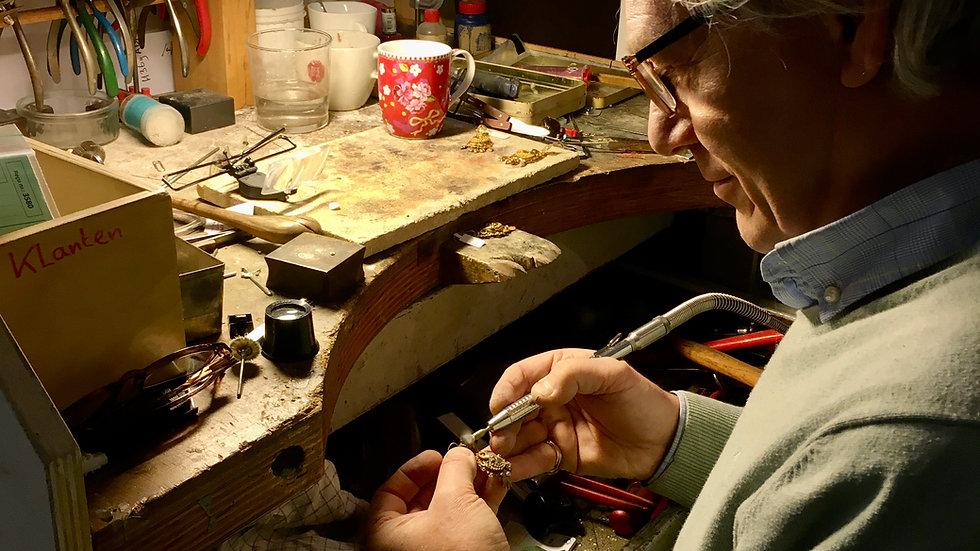 Reparaties in eigen atelier, goud, zilver en diamant sieraden