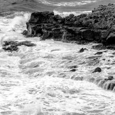 Vague sur les rochers 2