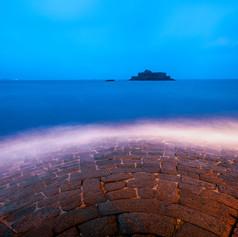 Saint-Malo - Le Fort national vu depuis le pied des remparts