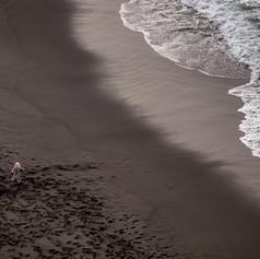 La fillette sur la plage