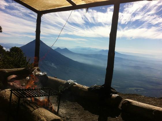 volcano acatenango hike 2