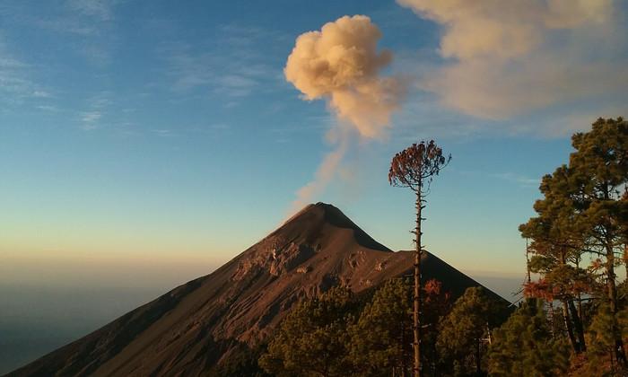 volcano acatenango hike 4
