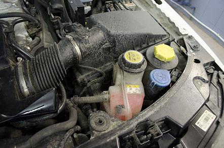 Мойка двигателя Киев | Детейлинг двигателя | Мойка подкапотного пространства | DS-Ukraine